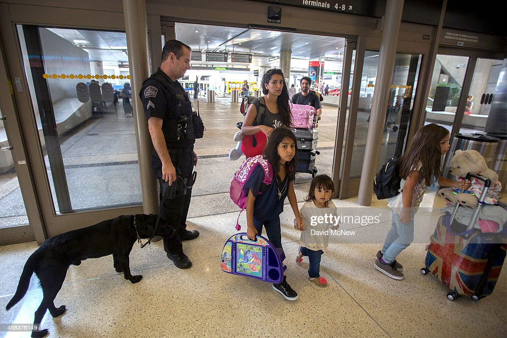 Security Tightened At LAX During Busy Fourth Of July Weekend : News Photo