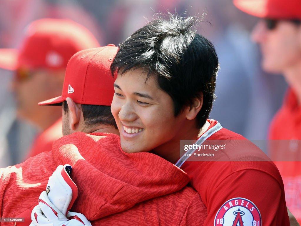 MLB: APR 04 Indians at Angels : ニュース写真
