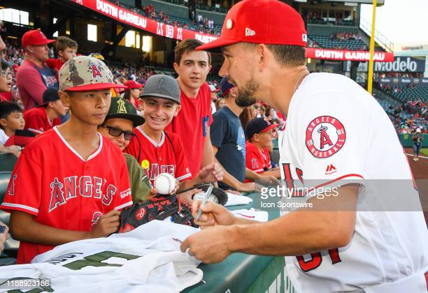 los-angeles-angels-pitcher-taylor-cole-s