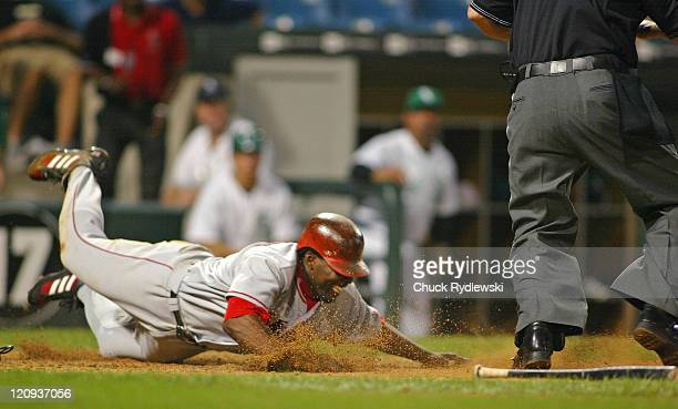 Los Angeles Angels' Right Fielder Vladimir Guerrero scores from 2nd base on a sacrifice bunt in the 13th inning against the Chicago White Sox...