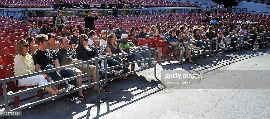 Los Angeles area high school and college students attend the Grammy Foundation's sound check and Q and A with the Goo Goo Dolls at the Greek Theater on August 29, 2010 in Los Angeles, California.
