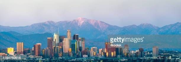 los angeles at twilight - san gabriel mountains stock pictures, royalty-free photos & images