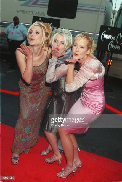Los Angeles CA Dixie Chicks arriving at the American Music Awards