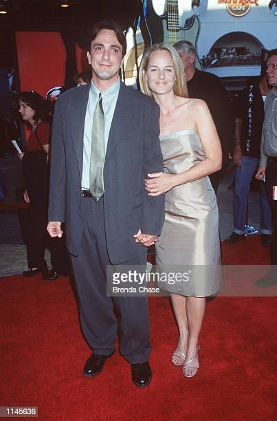 Los Angeles CA Hank Azaria and Helen Hunt at the premiere of Mystery Men Photo Brenda Chase/Online USA Inc