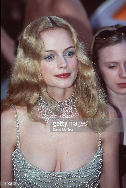 Los Angeles CA Heather Graham at the 72nd Annual Academy Awards Dave McNewOnline USA Inc