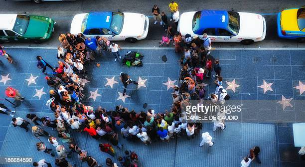 CONTENT] Los Angeles CA Hollywood Blvd Walk of Fame Street Performance