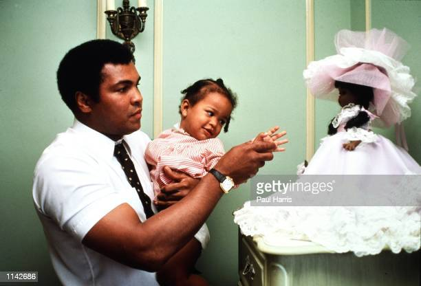 Los Angeles CA Muhammad Ali with his daughter Laila before his last fight with Larry Holmes Photo by Paul Harris/Online USA Inc