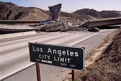 Los angeles california earthquake aftermath picture id534266696?s=170x170