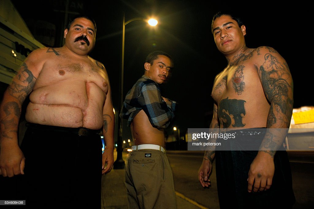 south central la 40th street gang members show off scars from bullet    news photo