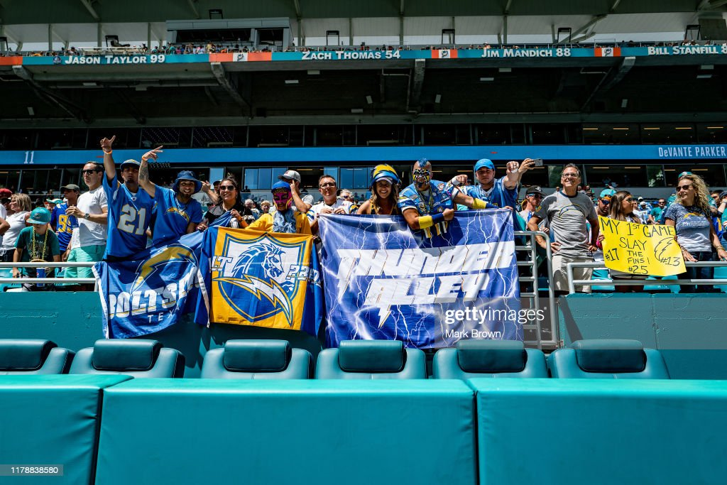 Los Angeles Chargers v Miami Dolphins : News Photo