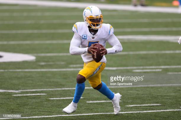 Los Angeles Chargers quarterback Tyrod Taylor looks to pass during the game against the Los Angeles Chargers and the Cincinnati Bengals on September...