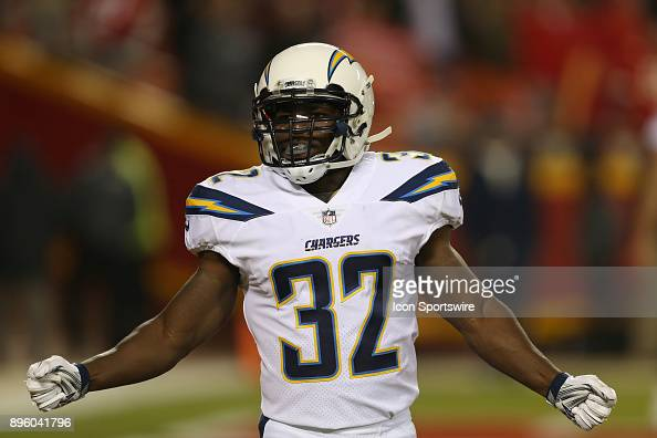 Los Angeles Chargers running back Branden Oliver before a week 15 ...