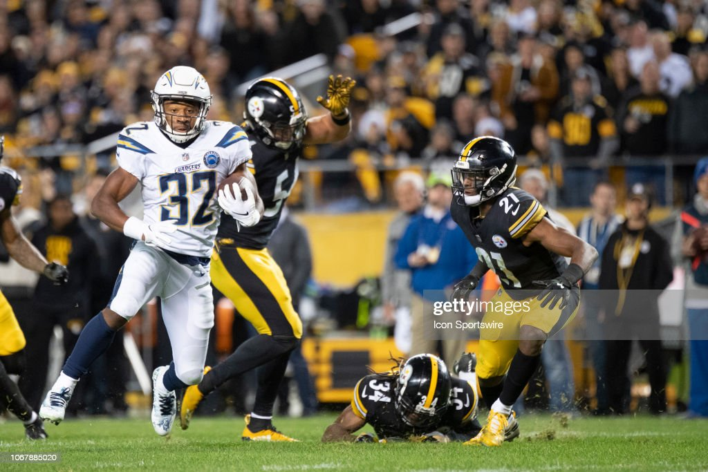 Los Angeles Chargers running back Justin Jackson runs for a ... 8921183c2