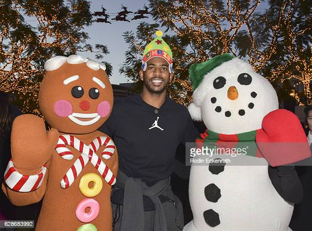 Los Angeles Clippers player Chris Paul hosts Feed The Children at The Grove on December 8 2016 in Los Angeles California