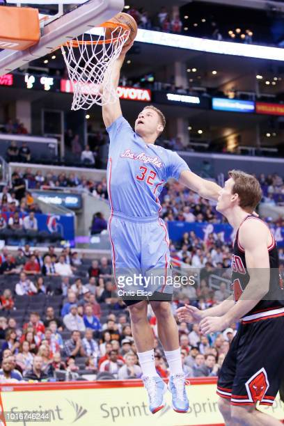 Los Angeles Clippers power forward Blake Griffin dunks the ball on Chicago Bulls small forward Mike Dunleavy during the Los Angeles Clippers 121-82...