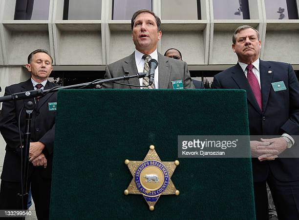Los Angeles County Sherriff Lt John Corina holds a news conference regarding the new investigation into actress Natalie Wood's drowning death at Los...