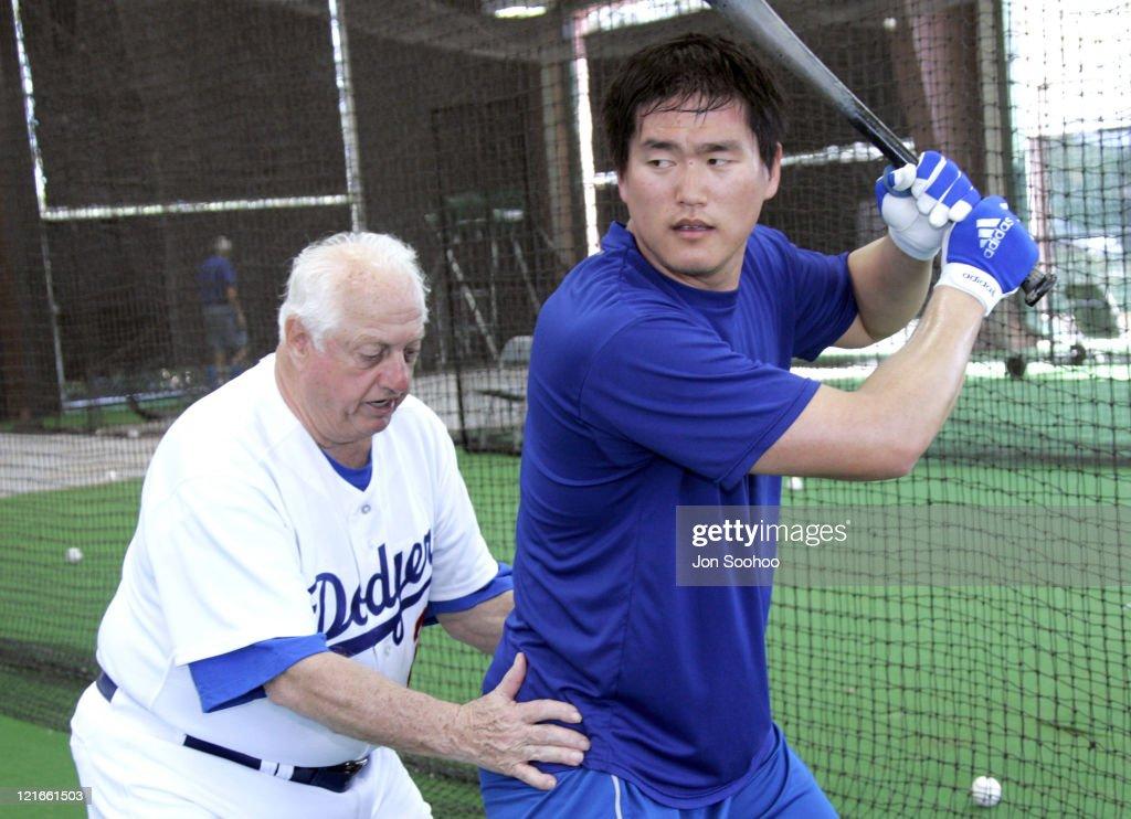 MLB - Los Angeles Dodgers Spring Training - February 21 , 2005