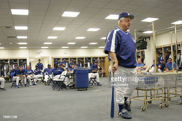 Los Angeles Dodgers Hall of Fame Manger Tommy Lasorda speaks to the team during the Dodgers first team meeting to start the first day of workouts at...