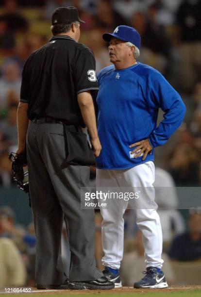 Los Angeles Dodgers manager Grady Little argues with home plate umpire Gary Darling during 91 victory over the New York Mets in Major League Baseball...