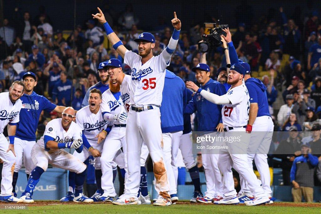 MLB: JUN 01 Phillies at Dodgers : News Photo
