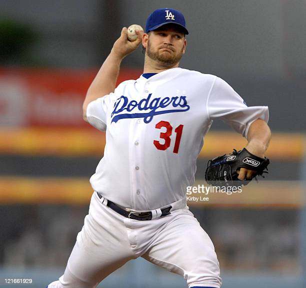 Los Angeles Dodgers starter Brad Penny pitches during 91 victory over the New York Mets in Major League Baseball game at Dodger Stadium in Los...