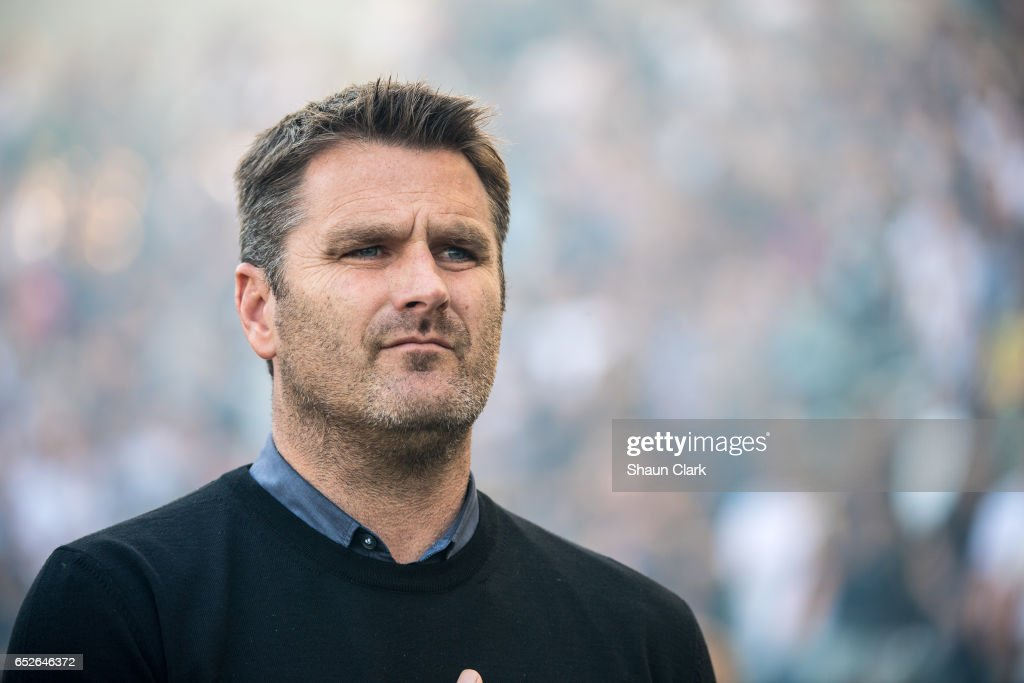 MLS Soccer - Los Angeles Galaxy v Portland Timbers : News Photo