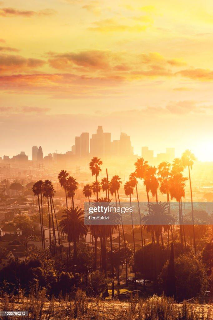 Los Angeles goldene Stunde Stadtbild über die Innenstadt von Wolkenkratzern : Stock-Foto