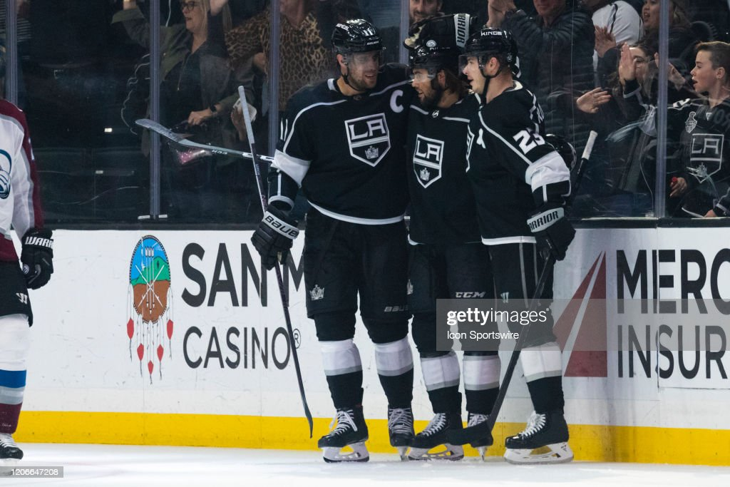 NHL: MAR 09 Avalanche at Kings : News Photo