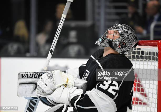 Los Angeles Kings Goalie Jonathan Quick taps his helmet on the crossbar during an NHL game between the Pittsburgh Penguins and the Los Angeles Kings...