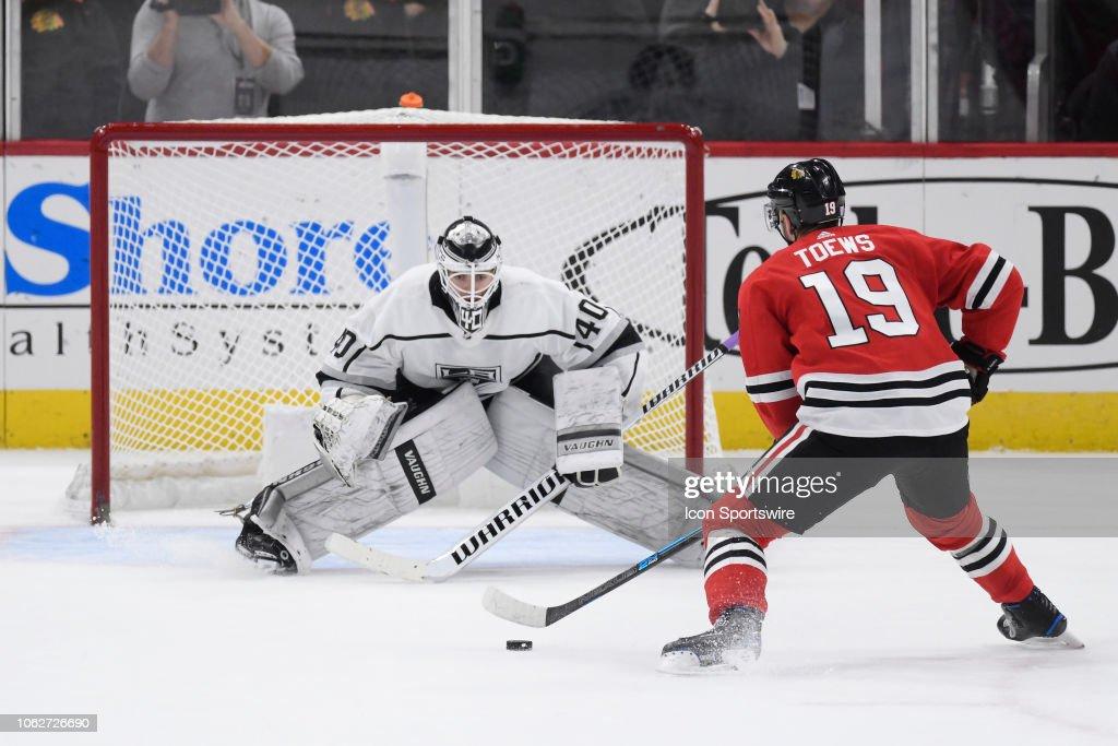 NHL: NOV 16 Kings at Blackhawks : News Photo