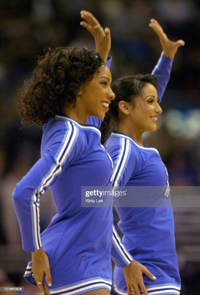 Washington Wizards vs. Los Angeles Lakers - December 17, 2004 : News Photo