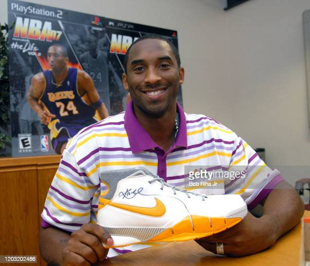 Los Angeles Lakers Kobe Bryant during visit to Watts Willowbrook Boys and Girls Club, August 18, 2006 in Los Angeles, California.