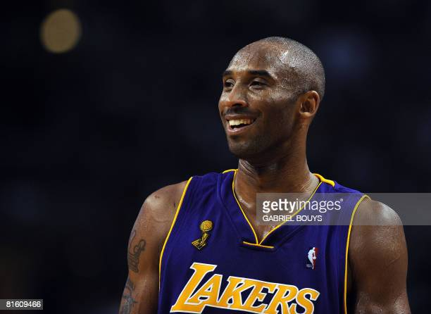 Los Angeles Lakers' Kobe Bryant reacts during the Game 6 of the 2008 NBA Finals in Boston Massachusetts June 17 2008 AFP PHOTO / GABRIEL BOUYS