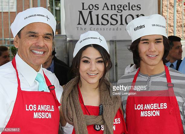Los Angeles Mayor Antonio Villaraigosa and actors Fivel Stewart and Booboo Stewart attend Easter for the Homeless at the Los Angeles Mission on April...