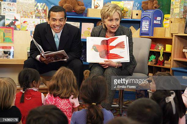 Los Angeles Mayor Antonio Villaraigosa and US Senator Hillary Clinton read to children at the Krieger Center a preschool on the grounds of The...