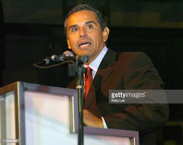 Los Angeles Mayor Antonio Villaraigosa during Los Angeles Police Department Foundation True Blue - October 22, 2005 at Paramount Studios in...