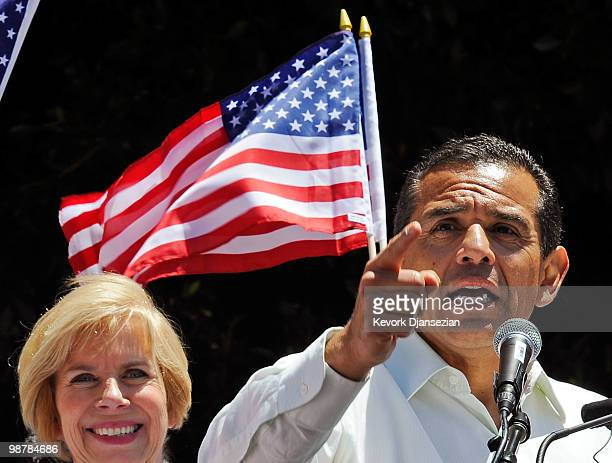 Los Angeles mayor Antonio Villaraigosa speaks to thousands of demonstrators who marched in a May Day immigration rally on May 1, 2010 in Los Angeles,...
