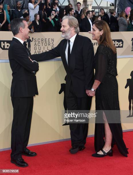 Los Angeles Mayor Eric Garcetti actor Jeff Daniels and Kathleen Treado attend the 24th Annual Screen Actors Guild Awards at The Shrine Auditorium on...