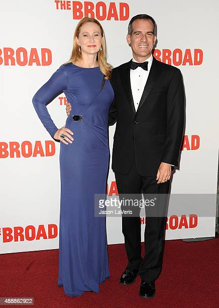 Los Angeles Mayor Eric Garcetti and wife Amy Wakeland attend the Broad Museum black tie inaugural dinner at The Broad on September 17 2015 in Los...