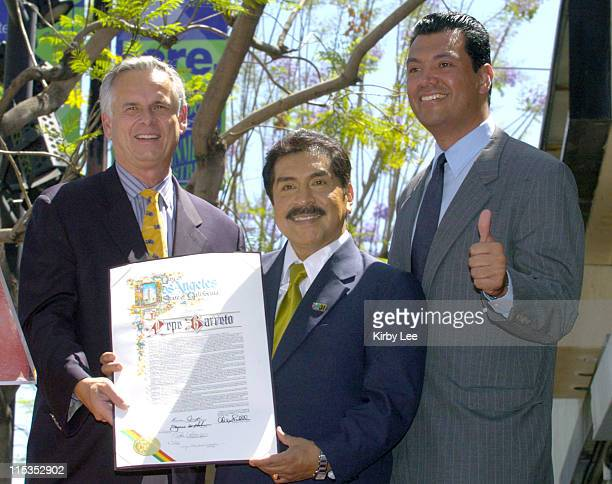 Los Angeles Mayor James Hahn Pepe Barreto and city council president Alex Padilla