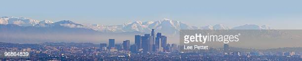 los angeles panoramic - san gabriel mountains stock pictures, royalty-free photos & images