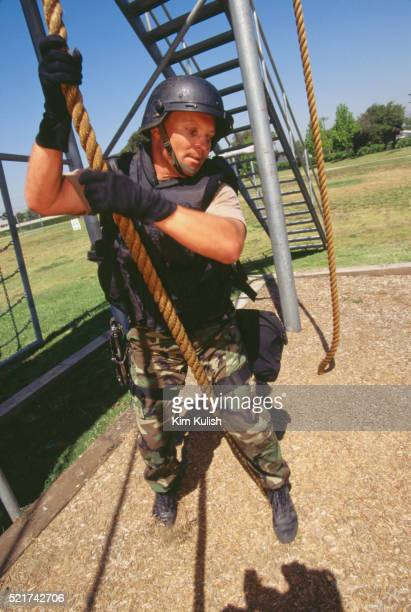 los angeles police training for swat division - los angeles police department stock pictures, royalty-free photos & images
