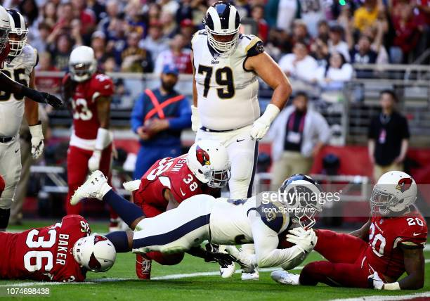 Los Angeles Rams running back CJ Anderson runs for a touchdown during the NFL football game between the Arizona Cardinals and the Los Angeles Rams on...