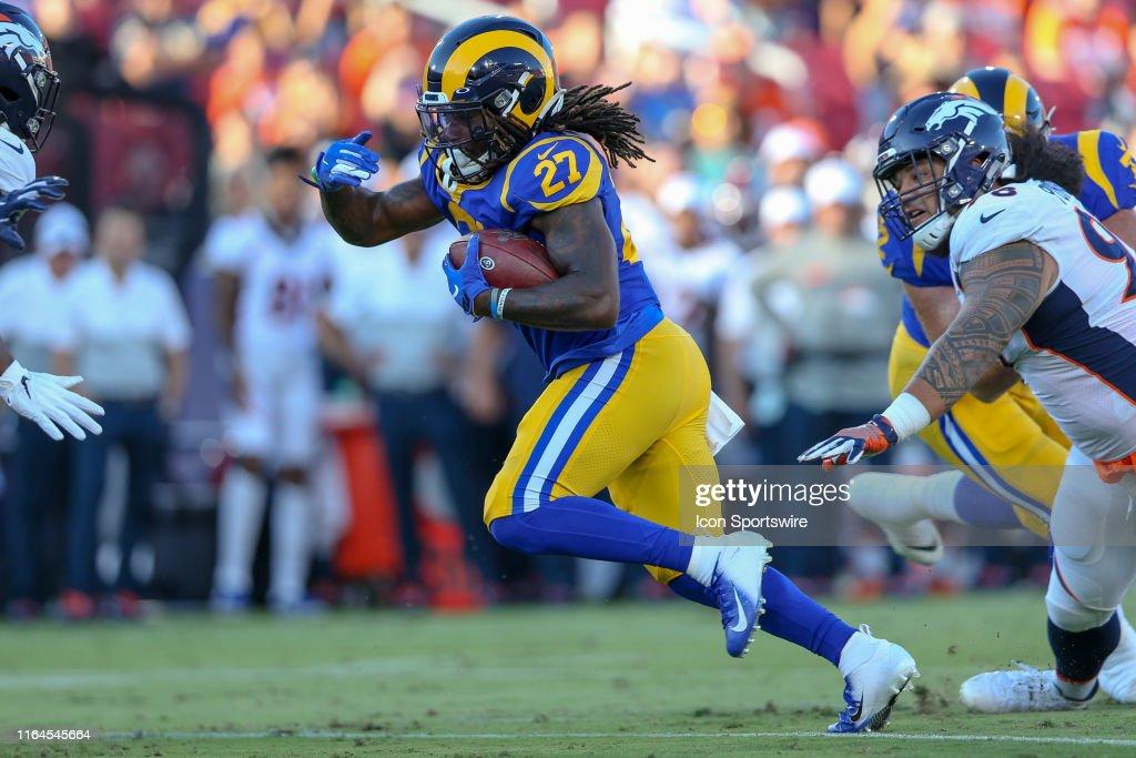 NFL: AUG 24 Preseason - Broncos at Rams : News Photo