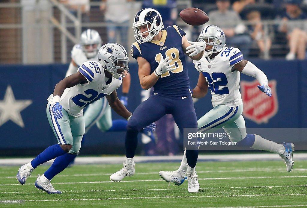 Los Angeles Rams vs. Dallas Cowboys : News Photo