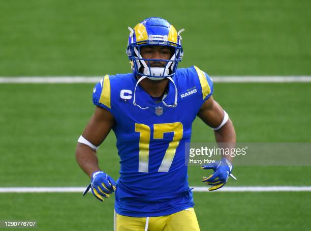 Los Angeles Rams wide receiver Robert Woods warms up before the game against the San Francisco 49ers at SoFi Stadium on November 29, 2020 in...