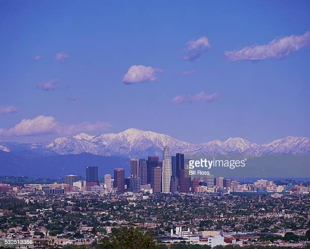 los angeles skyline and mountains - los angeles mountains stock pictures, royalty-free photos & images