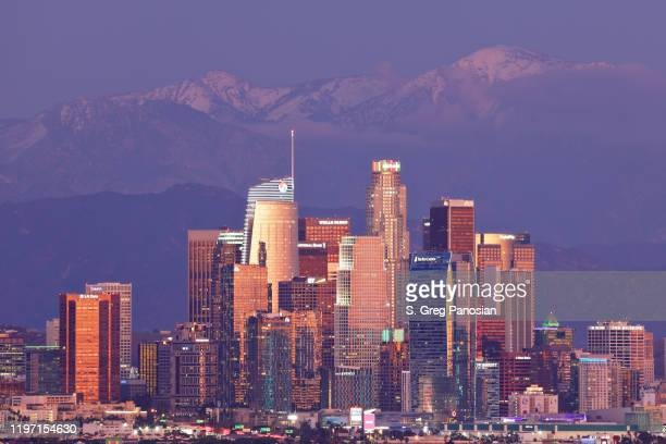 los angeles skyline - night - cbd stock pictures, royalty-free photos & images