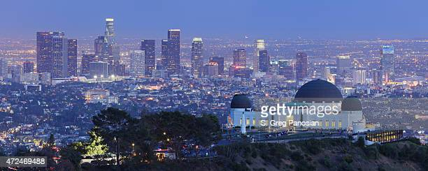 los angeles skyline + observatory - griffith park stock pictures, royalty-free photos & images
