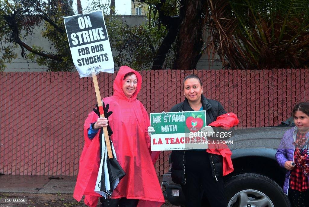 US-EDUCATION-TEACHERS-STRIKE : News Photo